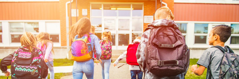 Alquiler de autobús con conductor para rutas escolares y excursiones